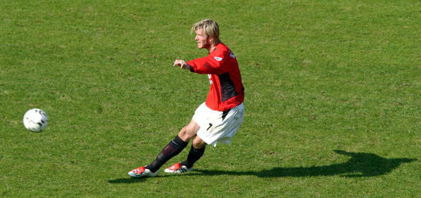 Tendangan Bebas David Beckham
